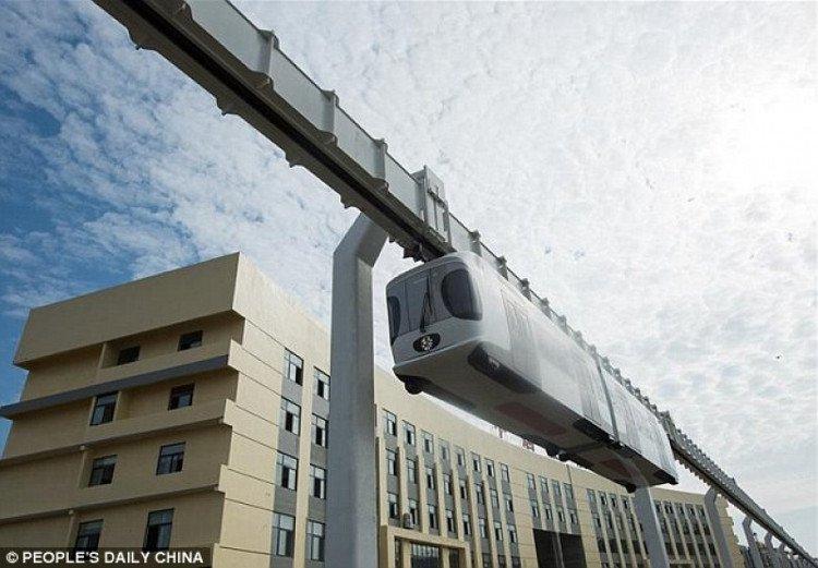 Trung Quốc ra mắt tàu treo đầu tiên trên thế giới