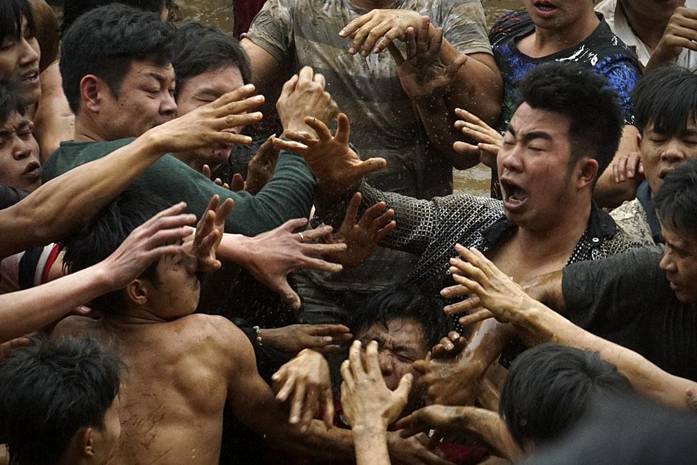 Các hoạt động vui chơi ở lễ hội làng: Chưa mang tính giáo dục