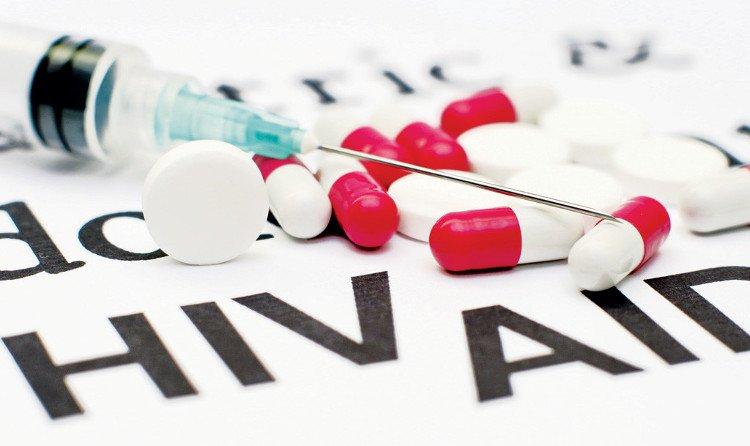"""Cách xử lý khi bị """"người lạ"""" đâm kim nhiễm HIV"""