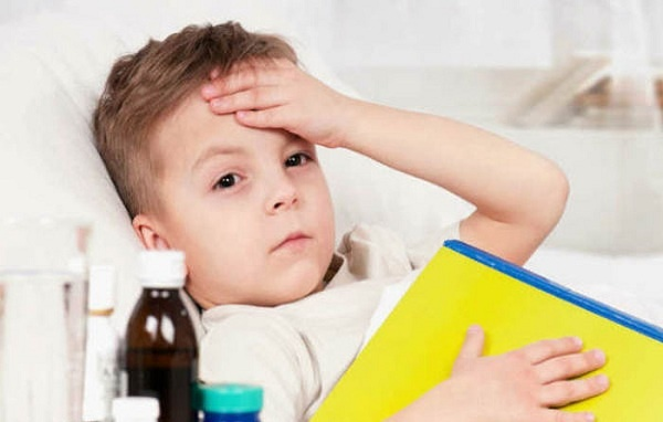 Dùng thuốc hạ sốt sai hại sức khỏe trẻ