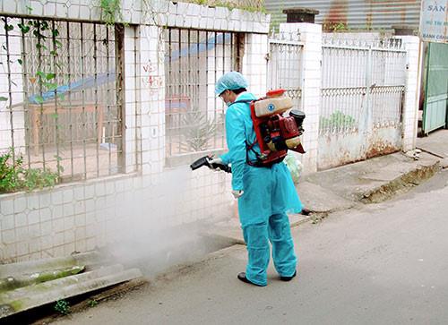 Những lưu ý khi phun thuốc diệt muỗi phòng sốt xuất huyết