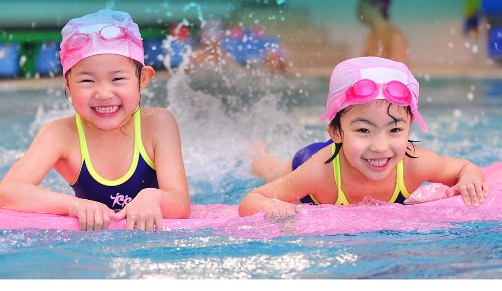 Các vấn đề trẻ thường gặp khi bơi và cách phòng tránh