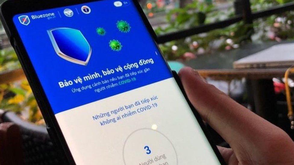 Người dân đã có thể khai báo y tế trực tuyến qua ứng dụng Bluezone