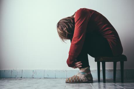 Người trẻ ngược đãi bản thân